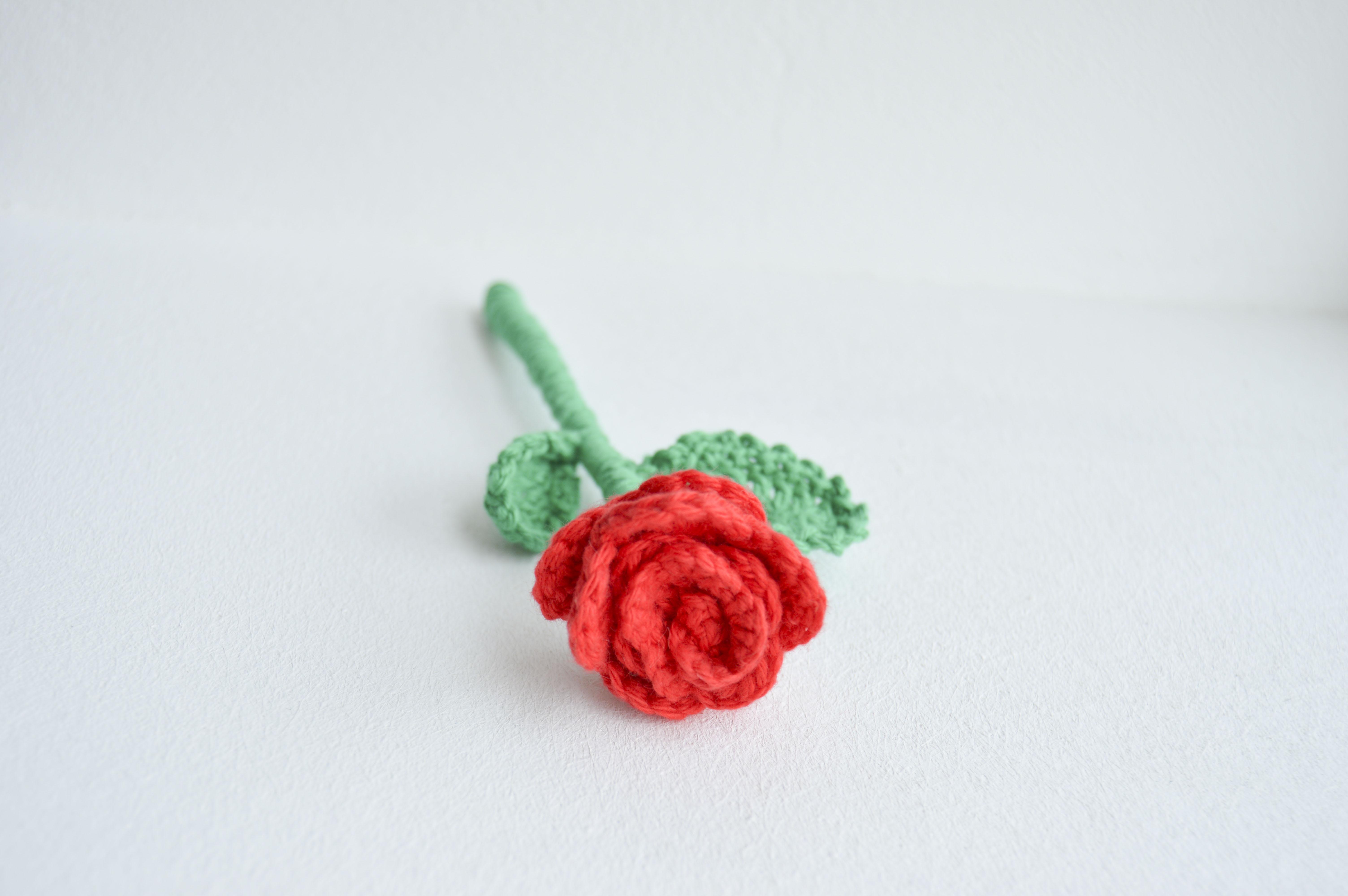 hæklet rose opskrift